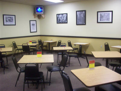 Courthouse Deli and catering seats 44 people so you will always find a table available for dining here.